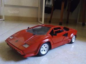 Lamborghini Countach Polistil scale 1/16