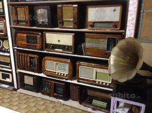 Radio d'epoca e oggetti antichi