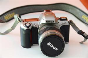 Nikon F65 + obiettivo + custodia