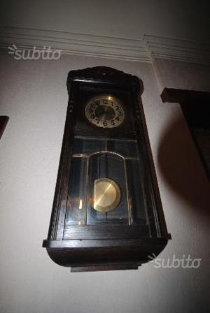 Orologio a pendolo di manifattura svizzera