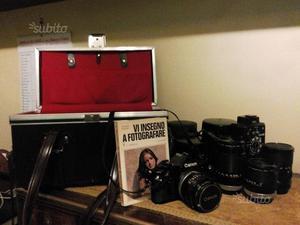 Fotocamera Canon A-1 con set accessori