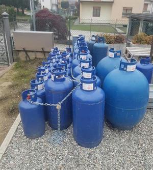 Bombola 3 kg campingas posot class for Bombole gas campeggio prezzi