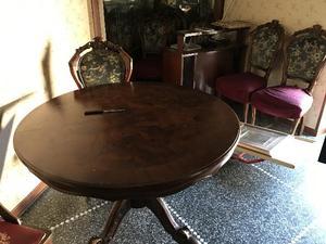 TAVOLO antico con 4 sedie