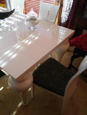 Tavolo in legno massello bianco lucido più sedie Euro 600