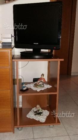 Tv Philips con mobiletto