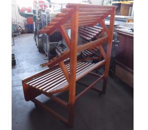 due espositori in legno usati per ortofrutta