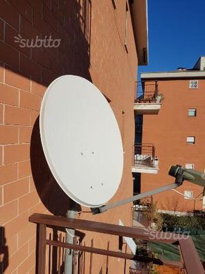 Antenna parabolica satellitare