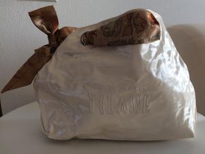 Offro borsa ALVIERO MARTINI originale usata ma in ottime