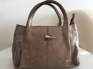 Offro borsa NERO GIARDINI originale usata ma in ottime
