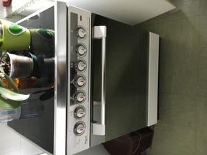 Regalo cucina castor 4 fuochi forno napoli posot class for Regalo cucina usata