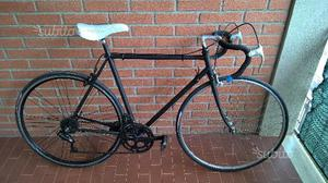 Bicicletta da corsa marca battaglin
