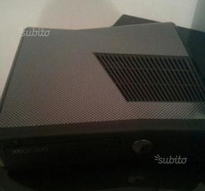 Xbox 360 slim 250 gb ben tenuta più 8 giochi