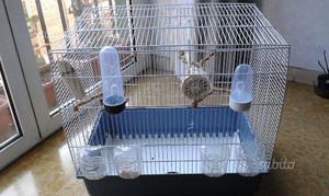 Gabbia per uccelli nuova completa di accessori