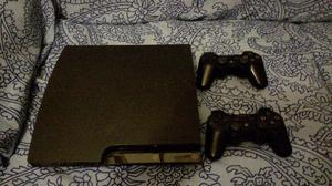 PS3 slim 120 Gb con 2 joystick