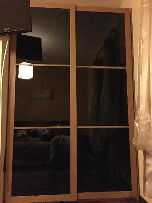 ARMADIO Ikea con ante a vetri