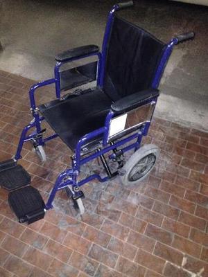 Sedia a rotelle pieghevole praticamente nuova posot class for Larghezza sedia a rotelle