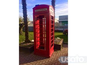 Cabina telefonica inglese in legno su misura posot class for Cabina telefonica inglese arredamento