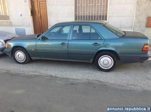 Mercedes-Benz 200 auto d'epoca del 1986 Mesagne