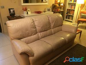 Divani In Pelle Usati : Possiedo divano in pelle color crema posot class