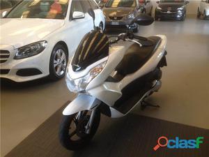 Honda PCX 125 benzina in vendita a Modena (Modena)