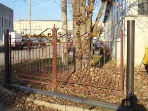 Cancello in ferro di mt 3,92 montato su monoblocco