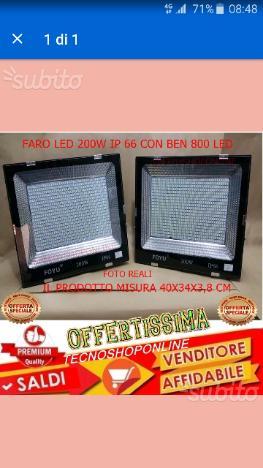 Faro 200 watt luce bianca con 800 led