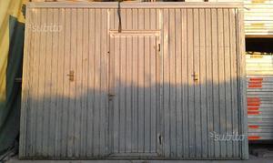 Portone basculante con porta, in lamiera zincata