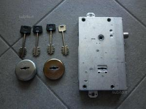 Doppia serratura ad h antonioli posot class - Doppia serratura porta blindata ...