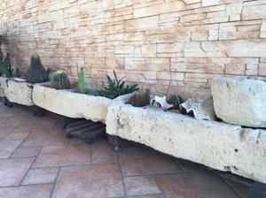 Vasche scolpite in pietra comune nascosto posot class - Vasche in pietra da giardino ...