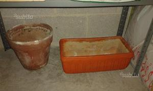 Vasi per giardino e terrazzi in resina posot class for Vasi terracotta usati