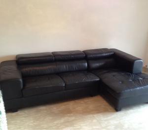 divano usato tre posti ecopelle nero, buono stato lunghezza 2,54m ...