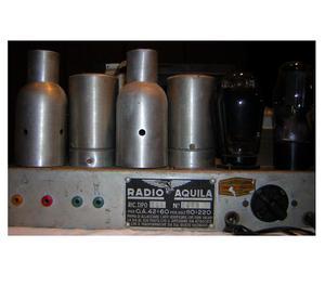 Radio Anni '50, a Valvole, con ingresso piatto giradischI