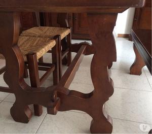 Tavolo più sedute in legno massello