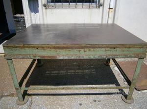Banco Da Lavoro Per Fabbro : Tavolo da lavoro da fabbro dei primi dell restaurato ad arte