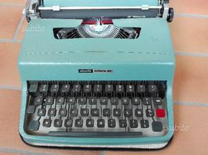 Macchina scrivere olivetti 32