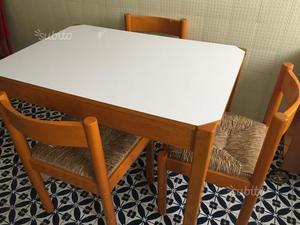 4 sedie con tavolo cucina legno noce torino posot class for Tavolo cucina 4 posti