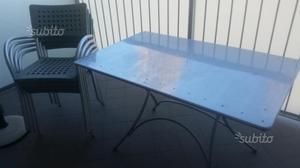 Tavolo e 4 sedie da giardino o terrazza