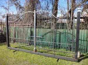 Cancello in ferro di 400 x 180 x 220 su monoblocco