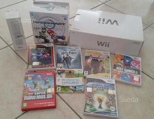 Nintendo Wii 8 giochi 2 telecomandi