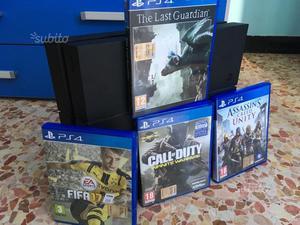 PlayStation 4 1Tb+3 Controller +4 giochi