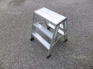 Scala 3 gradini in alluminio