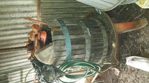 Torchio base in ghisa e gabbia di ferro e legno