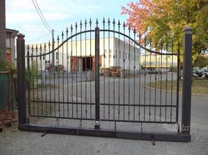 Cancello in ferro di 400 x 200 x 260 su monoblocco