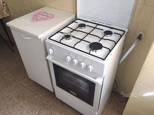 Cucina De Longhi 4 fuochi con forno