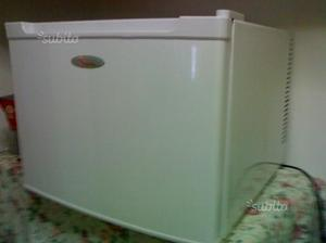 Mini frigo warmer pininfarina posot class for Mini frigo usato