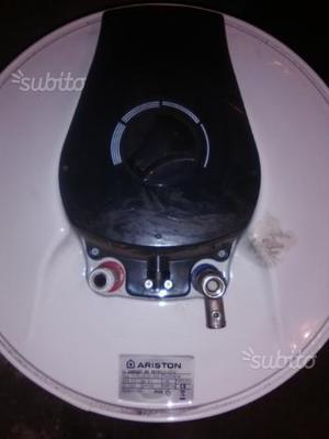 Boiler elettrico da 30 litri ariston posot class for Boiler elettrico classe a