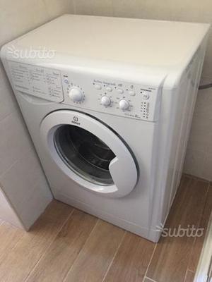 Lavatrice indesit slim prof 40cm iwsc posot class for Peso lavatrice