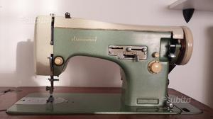 Macchina da cucire diamant completa di bel mobile posot for Vendo macchina da cucire