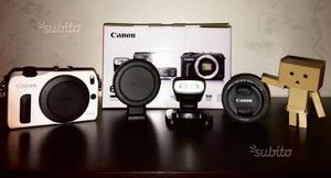 Canon Eos M + 22mm + Flash Canon 90ex + adattatore