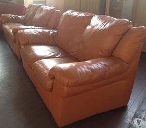 Coppia divani 3 + 2 posti in vera pelle nocciola